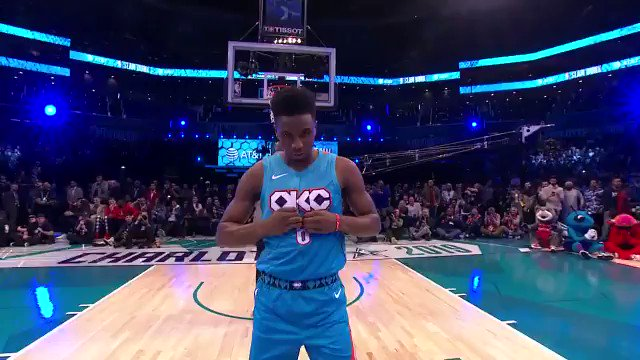 No idea how they didn't just call the dunk contest after this @hamidoudiallo