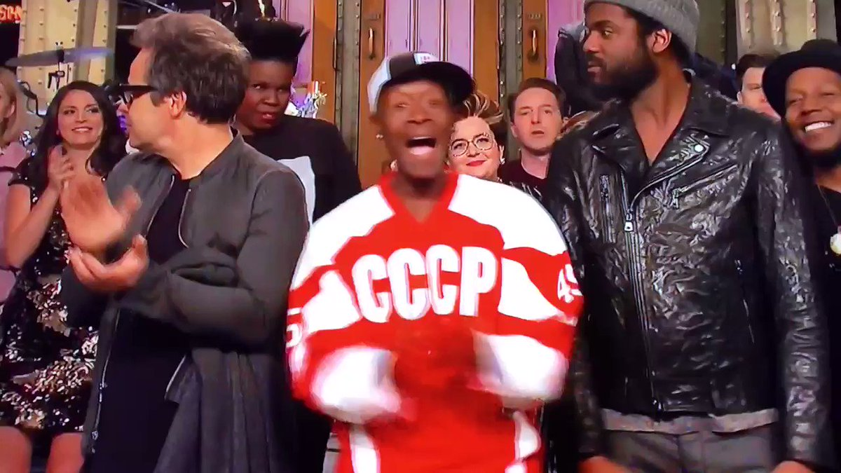 """Don Cheadle wore a Soviet Union hockey jersey with """"Trump"""" and """"45"""" on the back at the end of SNL after hosting. Shade level: Masterful"""