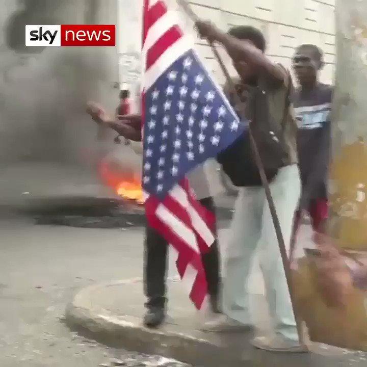 """En #Haití 🇭🇹 conocen bien los efectos de la """"ayuda humanitaria"""" y la injerencia estadounidense. Hilo con algunos datos relevantes:"""