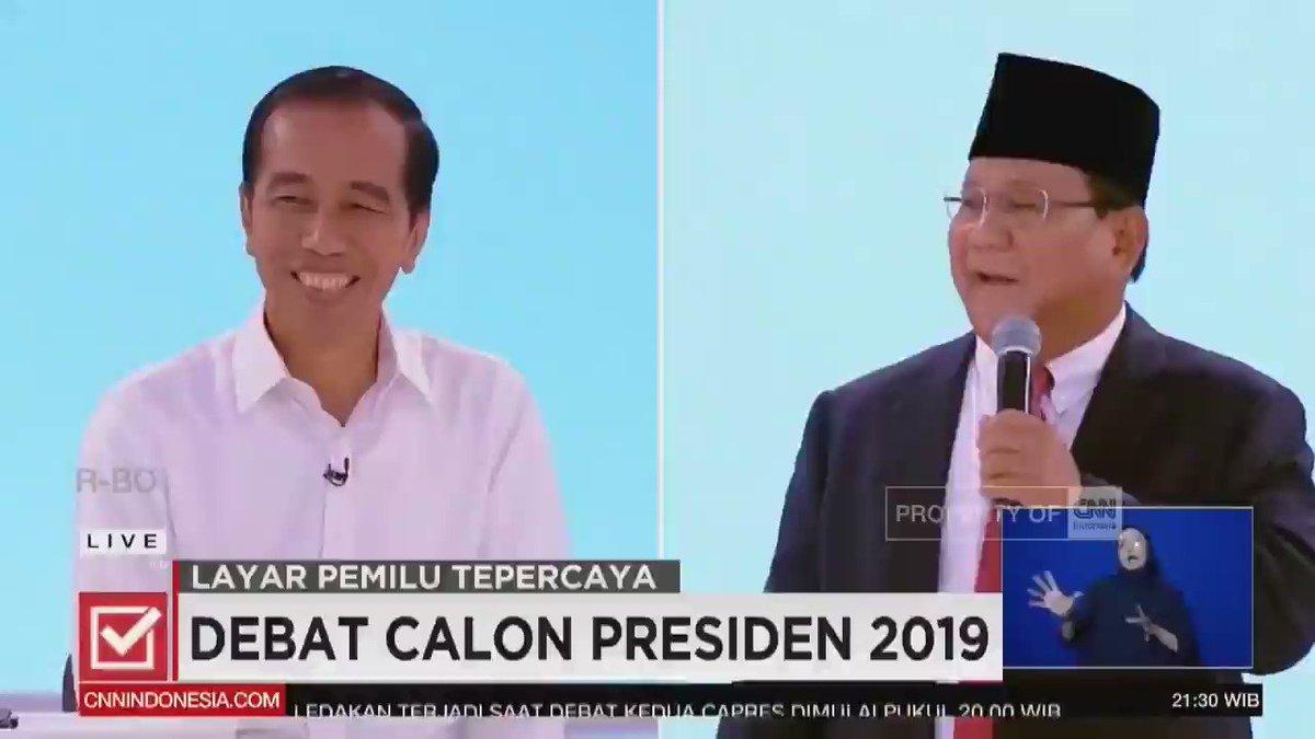 Semalam, Pak @prabowo mengeluarkan sosok aslinya, banyak tersenyum, tidak menyerang personal, mengapresiasi jika memang ada pencapaian yang sudah baik. Inilah yang Prabowo-Sandi inginkan di debat-debat berikutnya. Kita lebih mengedepankan diskusi dibanding saling serang.
