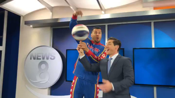 """""""Wish I was a lil' bit taller, I wish I was a baller"""" ...   🏀'ing with 6'8"""" El Gato this morning & his size 14 shoes 👟 🤭@Globies @orlandog34 @CBS8"""