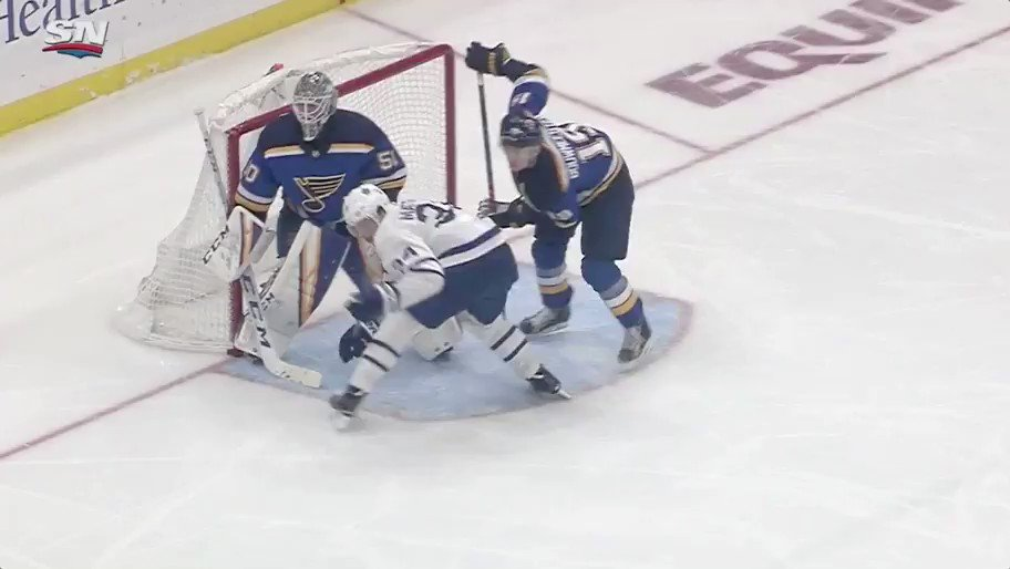 RT @TheFlintor: Auston Matthews 🚨   34 cleans up the rebound in front and ties up the game. https://t.co/6t2PT3LOul