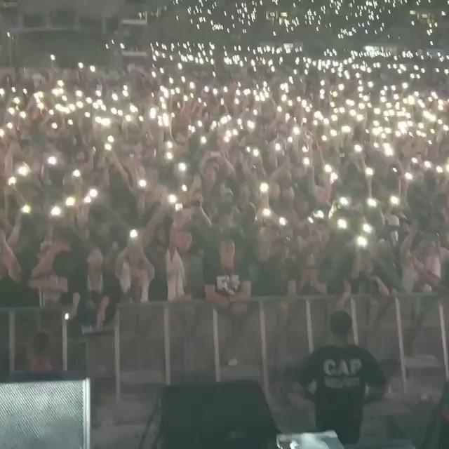 . @Royceda59 lights up QSAC Stadium in Brisbane with 'Lighters' VIDEO VIA: instagram.com/p/BuGbH2Dlwuu/