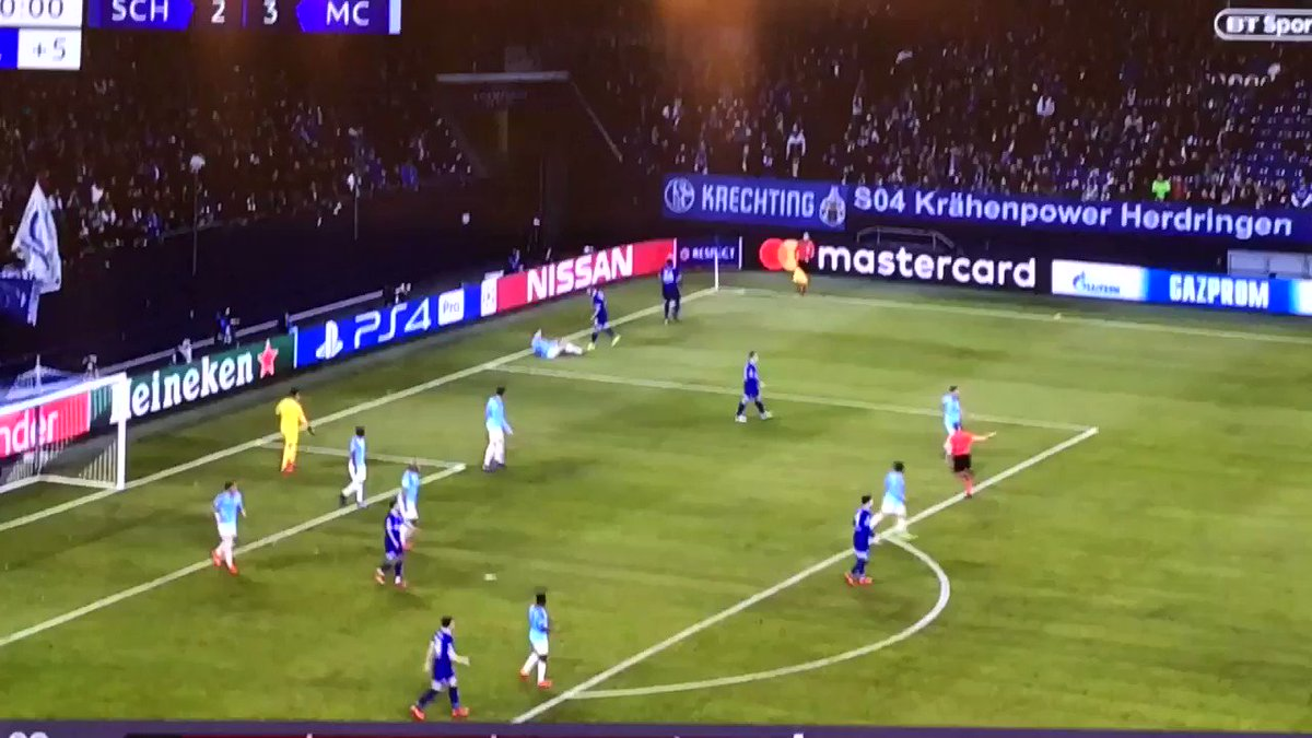 RT @CitySection: If my teammates aren't like Ederson in this then I don't want them on my team 😤 https://t.co/YEKB4iVRPy