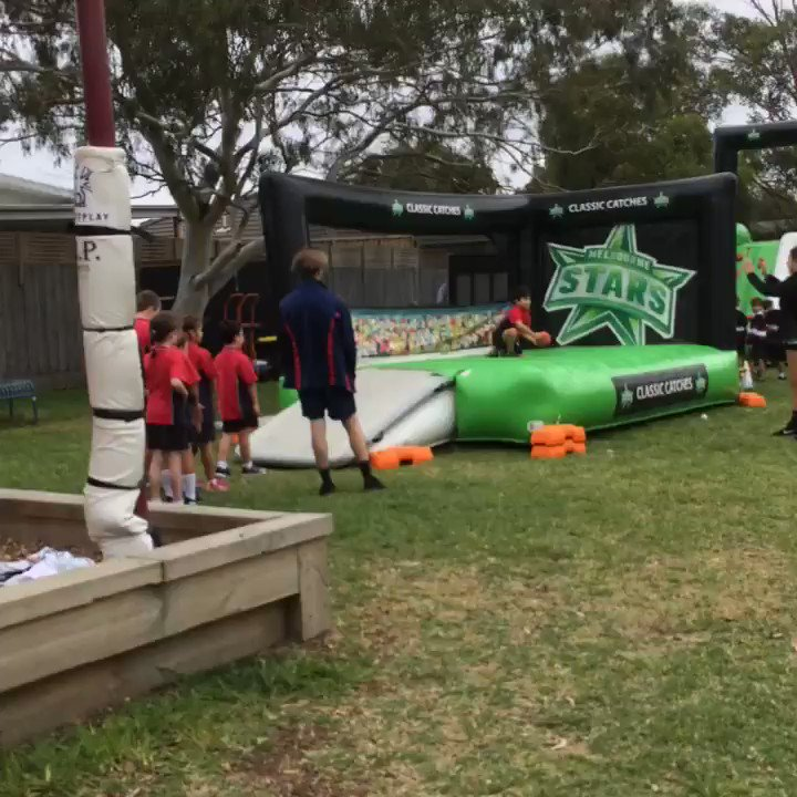 The @wbbl/@BBL season may be finished but the love for the @StarsBBL continues! Great to be at St John Vianney's School in Parkdale today for a very popular incursion #playcricket