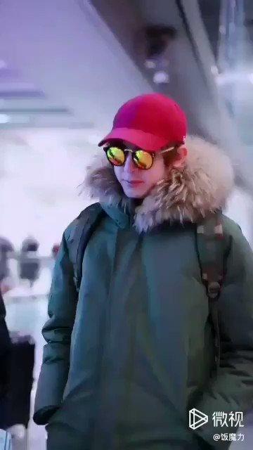 RT @VPlerngnoi: ถึงปักกิ่งแล้ว❤ #NICHKHUN #BEIJING Cr... in clip... Thanks🙏 https://t.co/1Y8pruVtkX