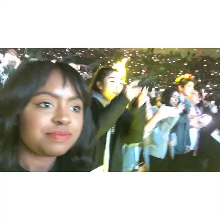 One of my goals for 2019 was to see Red Velvet live in concert. This is me sitting front row at a Red Velvet concert last night.