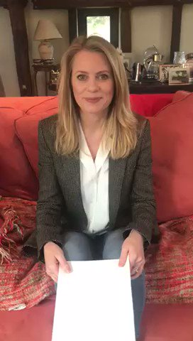 The brilliant @RACHEL_WYSE is inviting 2 lucky guests to our VIP Lounge at Cheltenham on Ladies Day! 🐎🍺  To win:  🔄 RT this post 👉 FOLLOW @RacingBreaks   This is our final lounge giveaway so best of luck to everyone!🤞  Winner announced Saturday! 📆