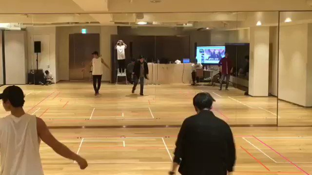 minho is such a powerful dancer @SHINee