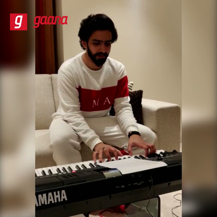 Here we have @AmaalMallik singing a beautiful verse just for us! #KyunRabba, a brand new track from the movie 'Badla' is out now on Gaana! Play here: http://gaa.na/KyunRabba