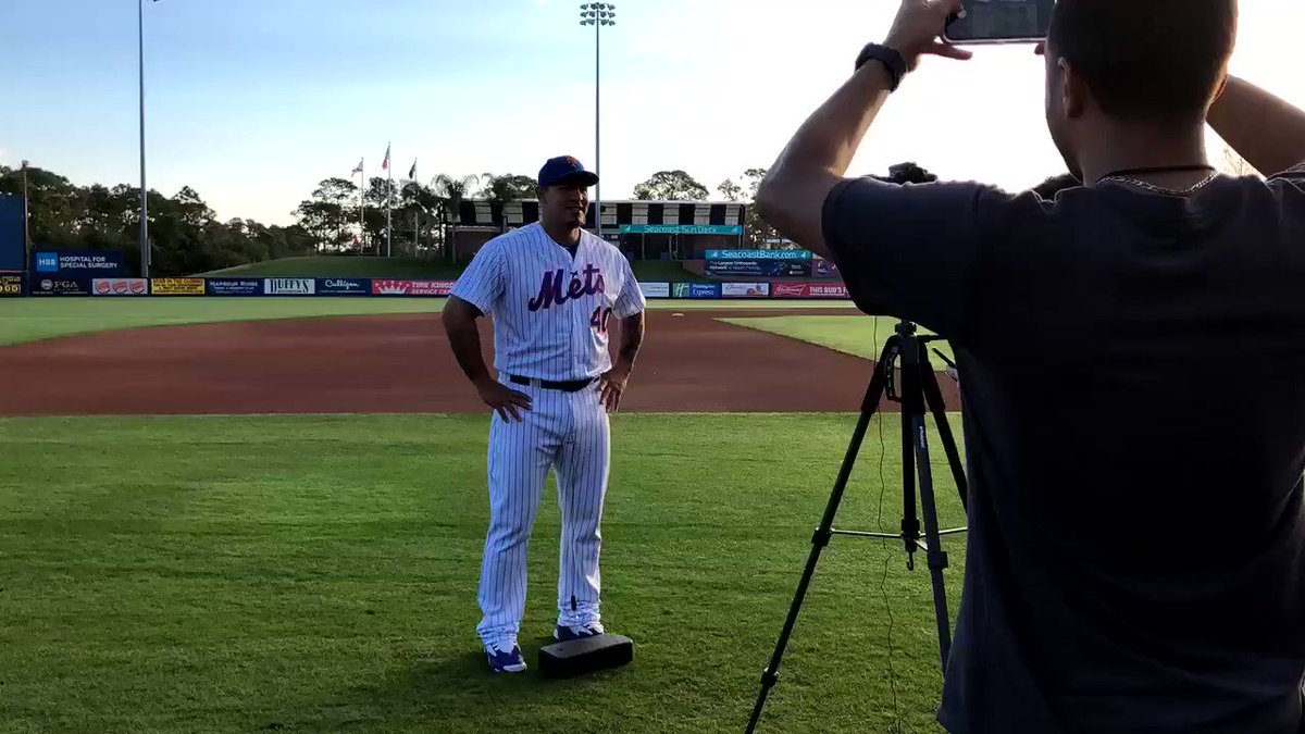 So. Many. Pictures. 😃📸 #Mets #PhotoDay – at First Data Field