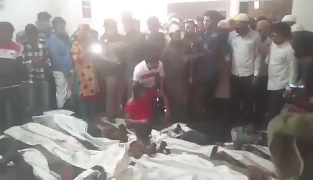 @guardian #Bangladesh_fire ded body https://t.co/kowHeNLFXX