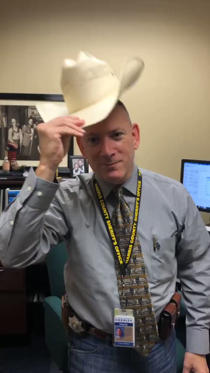 Happy #GoTexanDay, Y'all! If you dusted off your cowboy boots and wrangled up some blue jeans like @DeputyGill_HCSO, share a photo and show us your Texan pride. 🤠#lesm #HouNews @RODEOHOUSTON