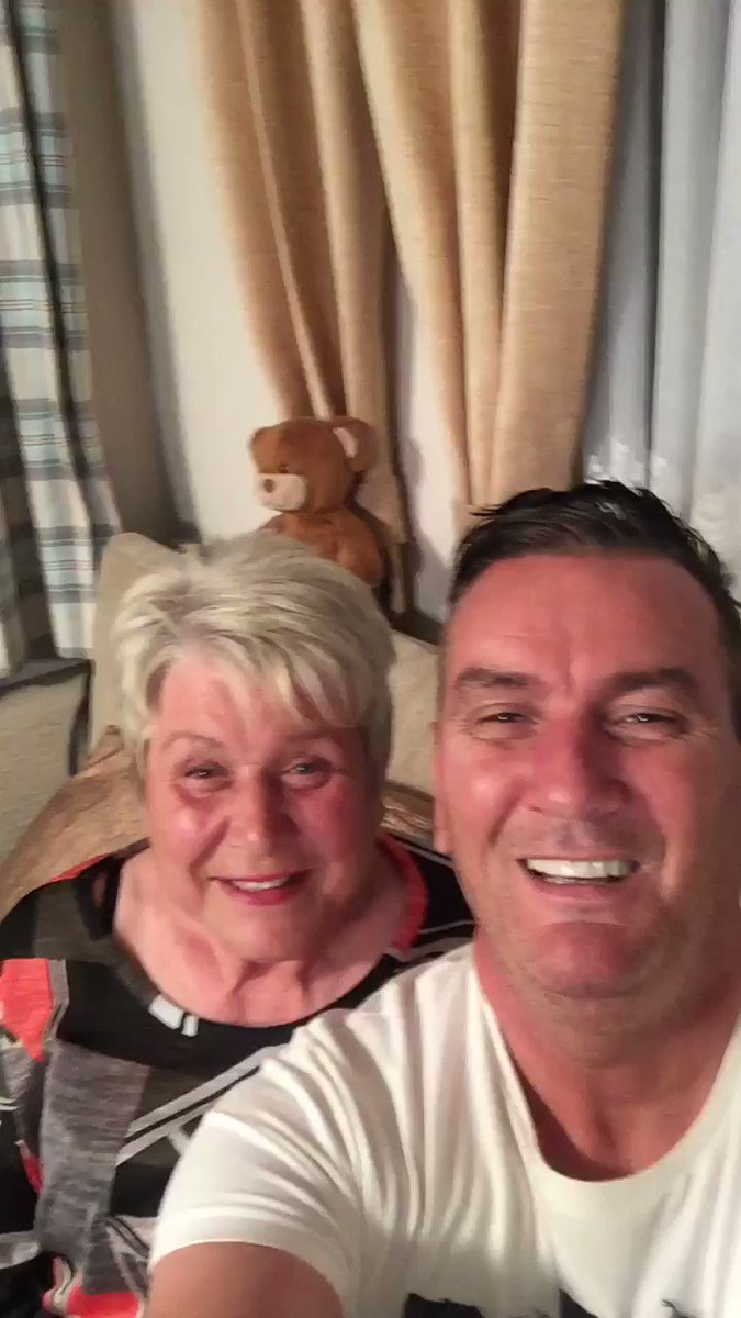Lee And Jenny's photo on #Gogglebox