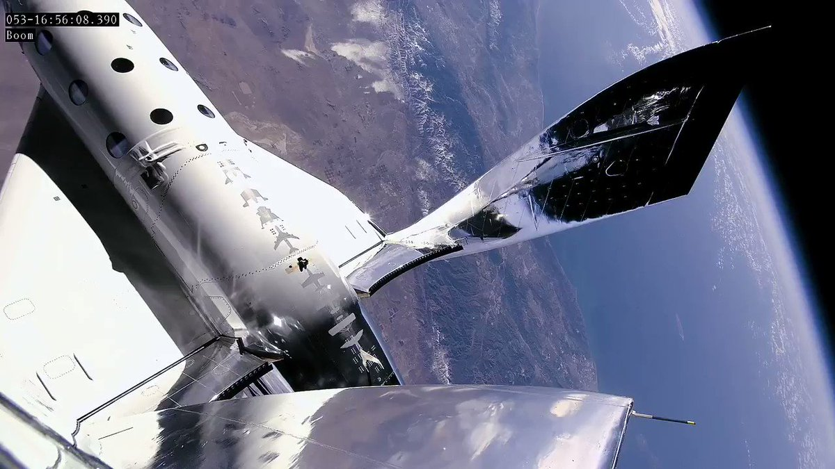 Hello, Earth 🌎. Footage from the boom of SpaceShipTwo