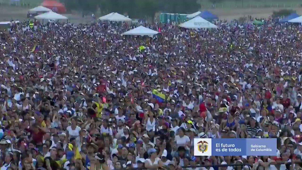Vinimos a construir la unidad de latinoamérica y del mundo por la libertad en el vecino país; venimos a construir para que brille la democracia en Venezuela, y sellar la gran alianza para que llegue ayuda humanitaria a millones de venezolanos @jguaido @sebastianpinera @MaritoAbdo