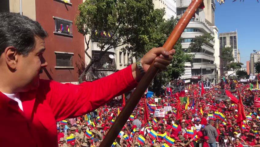 Dios, el legado bolivariano y el espíritu inmortal de nuestro Comandante Chávez, nos dan la fuerza y la serenidad para neutralizar la agresión imperial que viene de Colombia, con el objeto de vulnerar nuestra soberanía. ¡Triunfará la Paz!