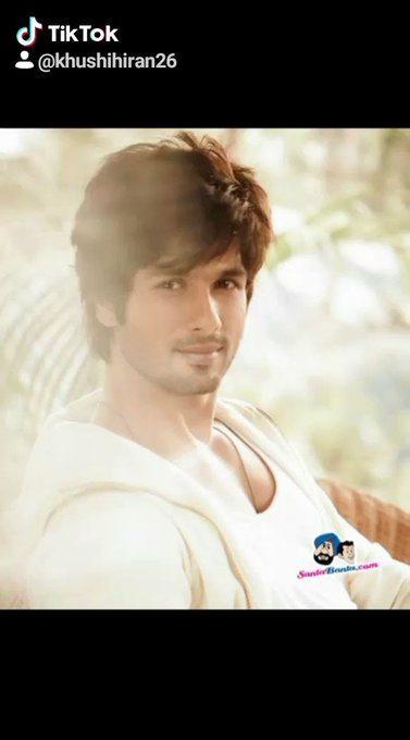 Happiest birthday dear Shahid Kapoor... cool, smart , dashing Hero... happy birthday
