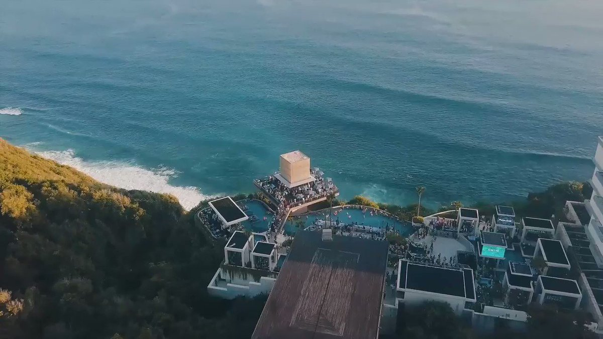 Looking forward to doing this all over again in Bali ☀️🌴💦 Thank you @omniabali for allowing me to introduce @TS5 to the beautiful people there🙌🏽💜 #TS5 #Bali https://t.co/D9QePUzto3