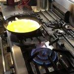 卵20個使って、特大オムライスを作ってみた!