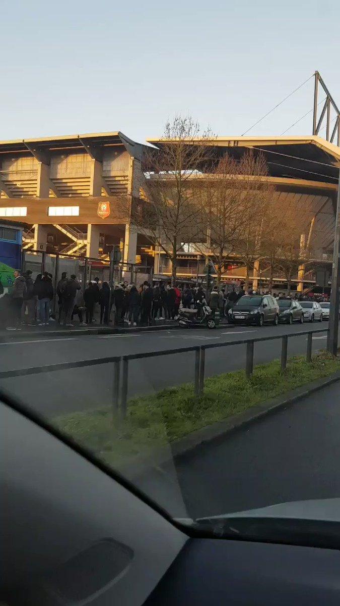 H-2 avant l'ouverture de la billetterie pour @staderennais - Arsenal !!! @sports_ouest @TVR35
