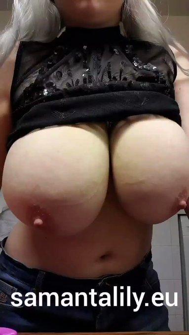 RT, if you love my fat tits 😁👍 https://t.co/8VM7iB4CRw