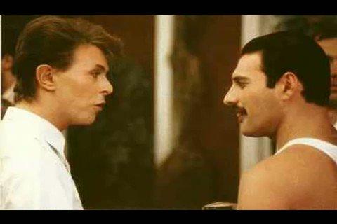 "Queen and David Bowie sing ""Under Pressure"" (only vocals), 1981."