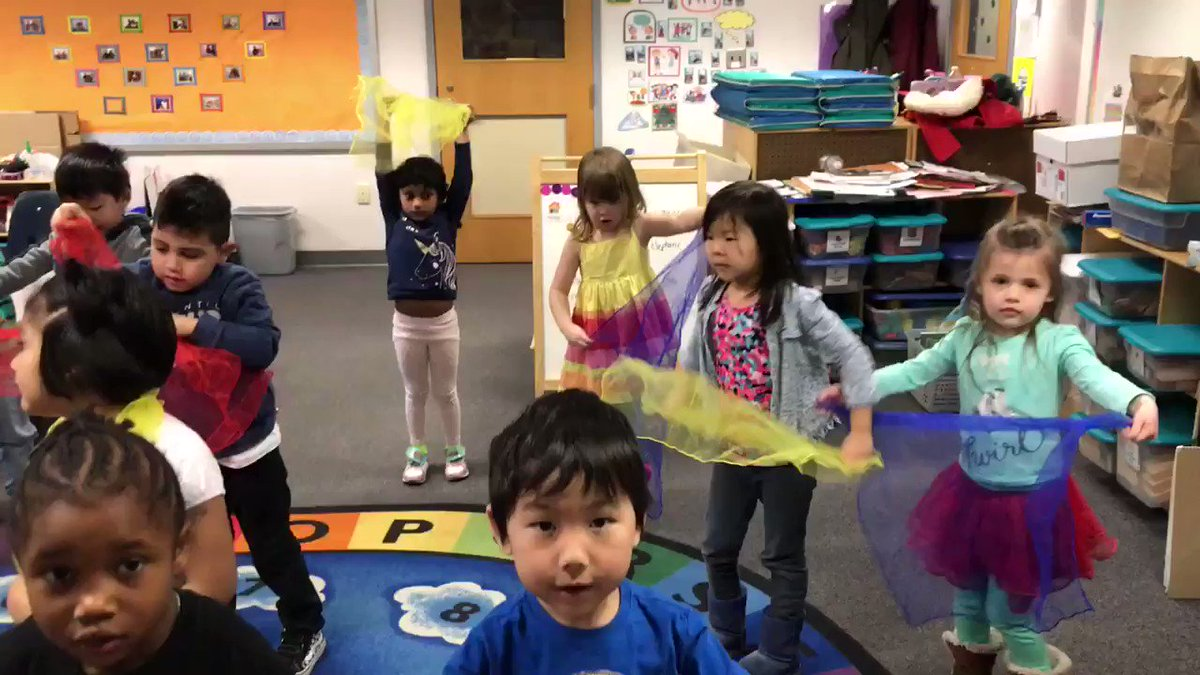 Pre K using creative movements with scarves to demonstrate high and low voices! <a target='_blank' href='http://search.twitter.com/search?q=PHESBulldogs'><a target='_blank' href='https://twitter.com/hashtag/PHESBulldogs?src=hash'>#PHESBulldogs</a></a> <a target='_blank' href='http://twitter.com/APS_HankHenry'>@APS_HankHenry</a> <a target='_blank' href='http://twitter.com/APSHenrySnyder'>@APSHenrySnyder</a> <a target='_blank' href='http://twitter.com/APSArts'>@APSArts</a> <a target='_blank' href='https://t.co/VeCah51Om4'>https://t.co/VeCah51Om4</a>