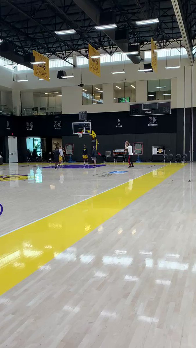 Image for the Tweet beginning: Lonzo Ball continues to work