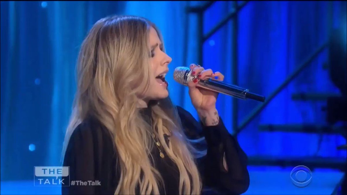 Thanks for having us today @thetalkcbs ����! #HeadAboveWater https://t.co/T0m6cxUpFE