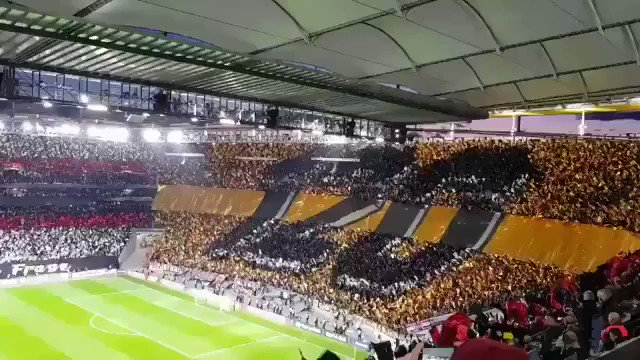 Brilliant tifo by the Eintracht Frankfurt ultras at home vs. Inter Milan!