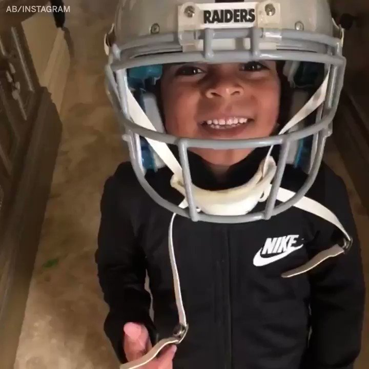 Antonio Brown's son is geared up and ready for Oakland! (via @AB84) https://t.co/WzpLwK9sB7