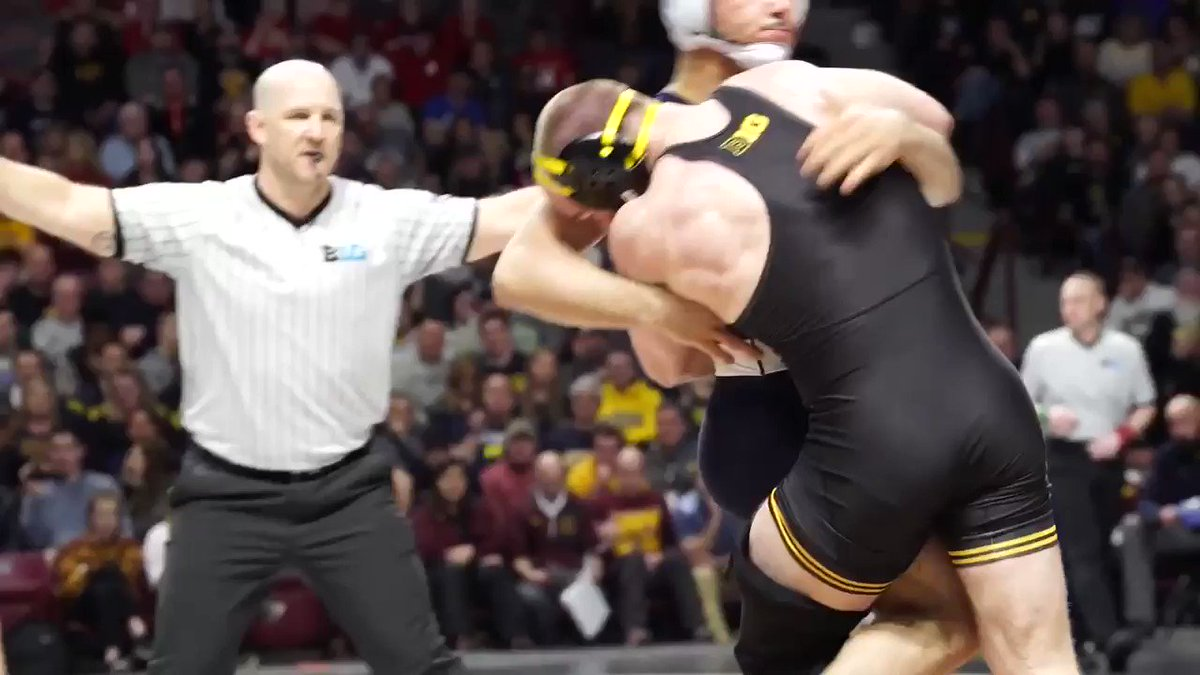 THE BULL 🐃  Alex Marinelli takes out Vincenzo Joseph to win the 165-pound Big Ten Title. https://t.co/AHMGBfPE2k