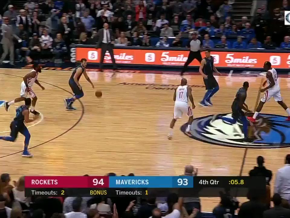 CP3 with the BLOCK for the win! �� https://t.co/8Pjoxt8vKj