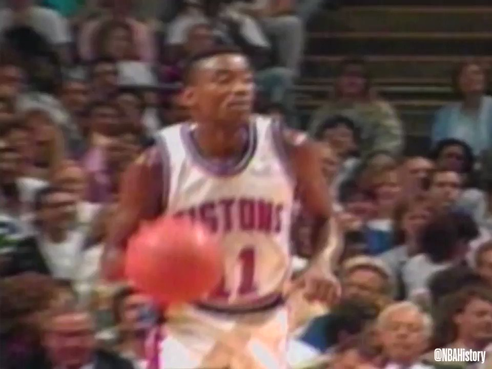 On Isiah Thomas' 60th birthday, look back at him running the show for the @DetroitPistons!   #NBABDAY #NBAVault  https://t.co/TbNZFnTkTg