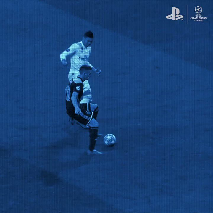 The assist king 👑 Learn how to beat the best like Dusan Tadic  Tag your best goals using #PS4share.  #PlayStationFC  #UCL #PlayStation #ChampionsLeague