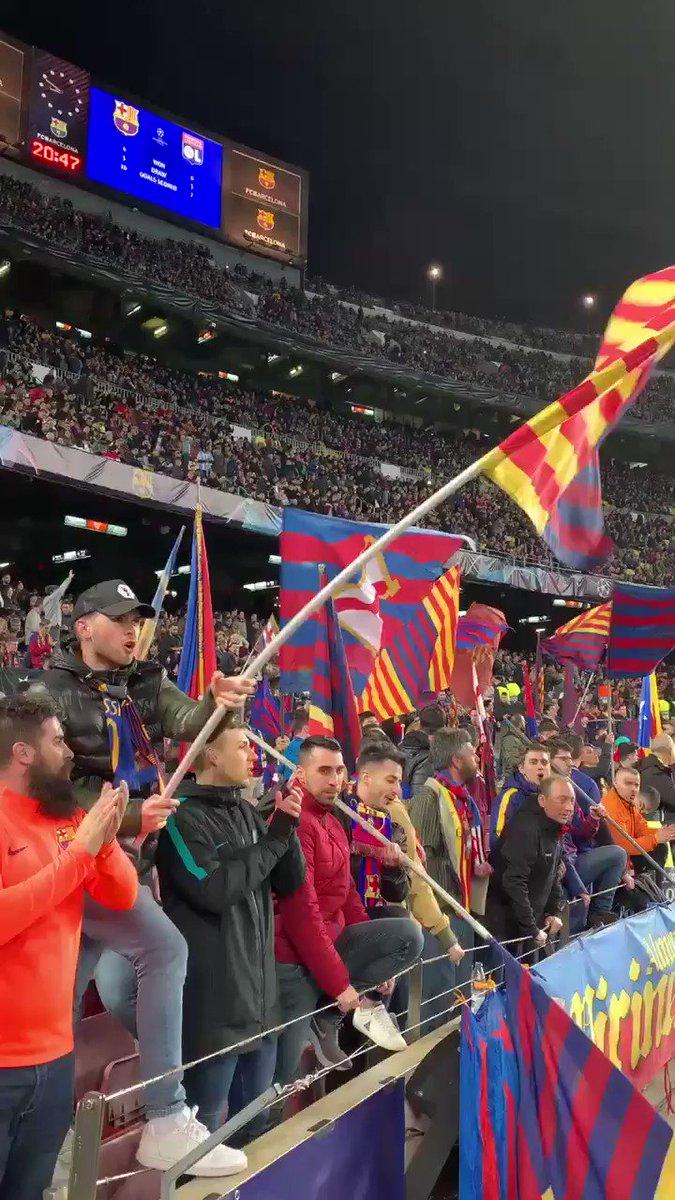 ��❤️ #TotsUnitsFemForça Som-hiiii Barçaaaa! Som-hiiii equiiiiip! #BarçaOL https://t.co/j60X59RcDv