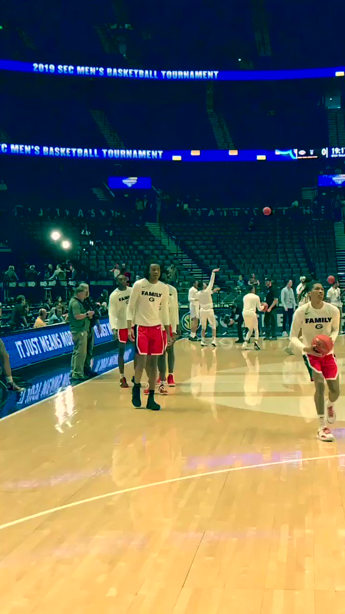 Made it to Nashville to get eyes on Georgia sophomore big man Nic Claxton as the Bulldogs take on Missouri in the first round of the SEC Tournament. The 19-year-old Claxton is an interesting long-term prospect given his defensive versatility and budding offensive skill set @ 6-11