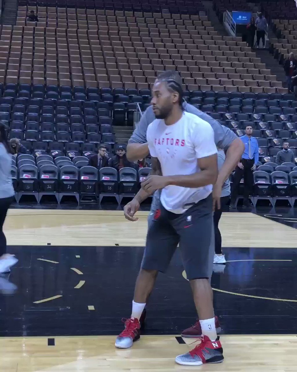 Kawhi works on the block ahead of tonight's @Raptors action!   ��: #LakeShow x #WeTheNorth ⏰: 8:00pm/et ��: @NBAonTNT https://t.co/C66ct0kVz8