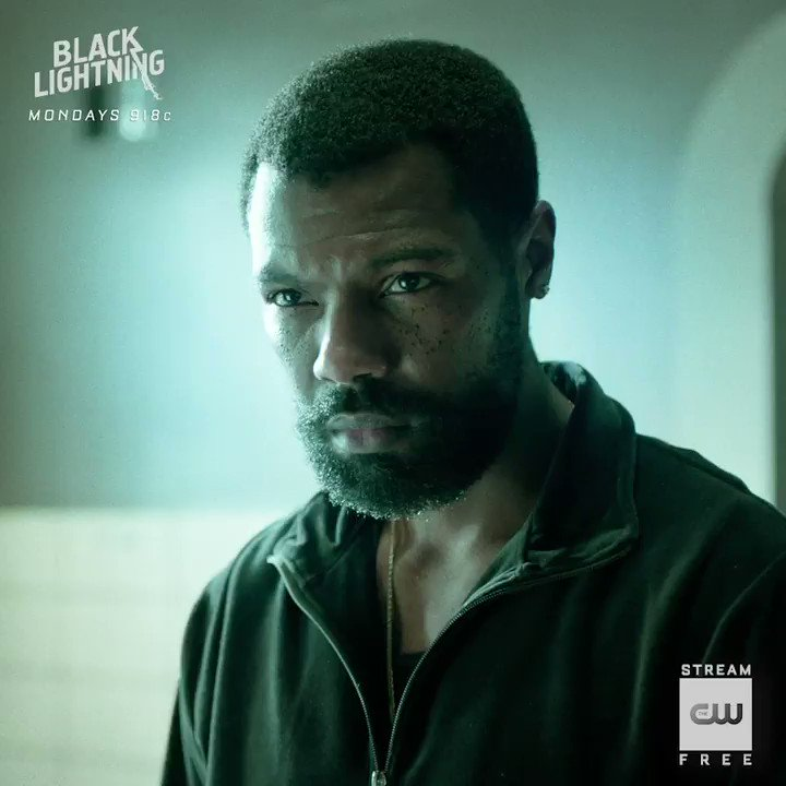 Their way > the wrong way. Stream the latest #Arrow and @blacklightning : https://t.co/pF5er0661f https://t.co/VZAtQpstJR