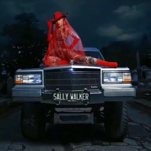 9000's photo on #SallyWalker