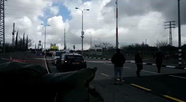 مقتل جنديين إسرائيليين وإصابات بإطلاق نار في الضفة الغربية XyYIgDyT71ATA4Ys?format=jpg&name=small