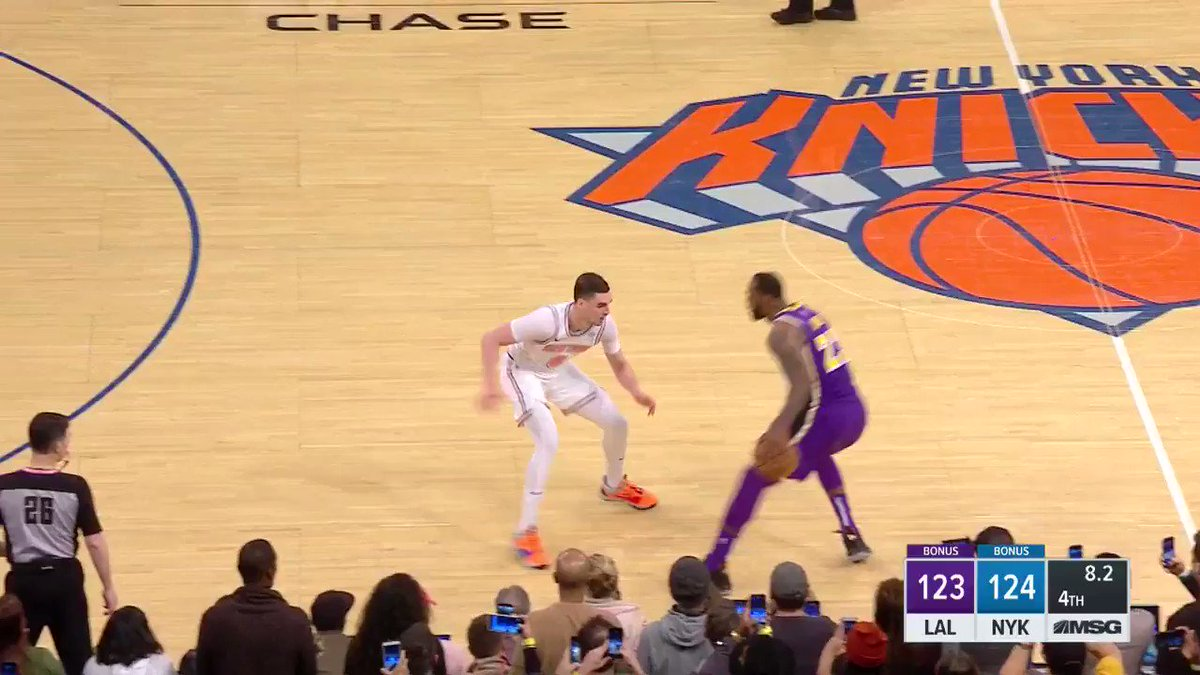 LeBron James scores 33 but gets blocked at the buzzer in 124-123 loss at Knicks