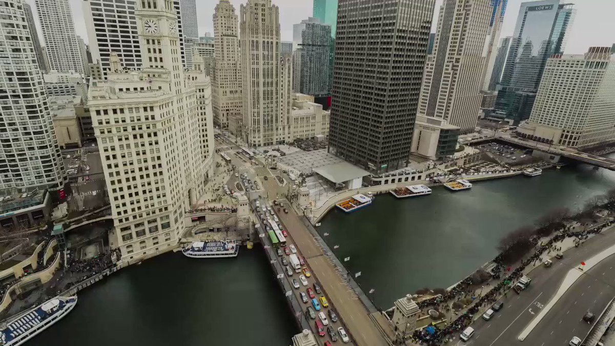 Damn, The Chicago River really looks amazing on Saint Patrick's Day.