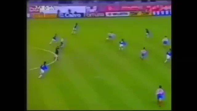 El 18.3.1993 el @Atleti se impuso al Olympiacos por 3-1 en partido de vuelta de cuartos de Recopa, clasificándose para semifinales. Los goles, sensacionales los tres, fueron obra de Manolo (2) y Alfaro #TalDíaComoHoy #HistoriaATM