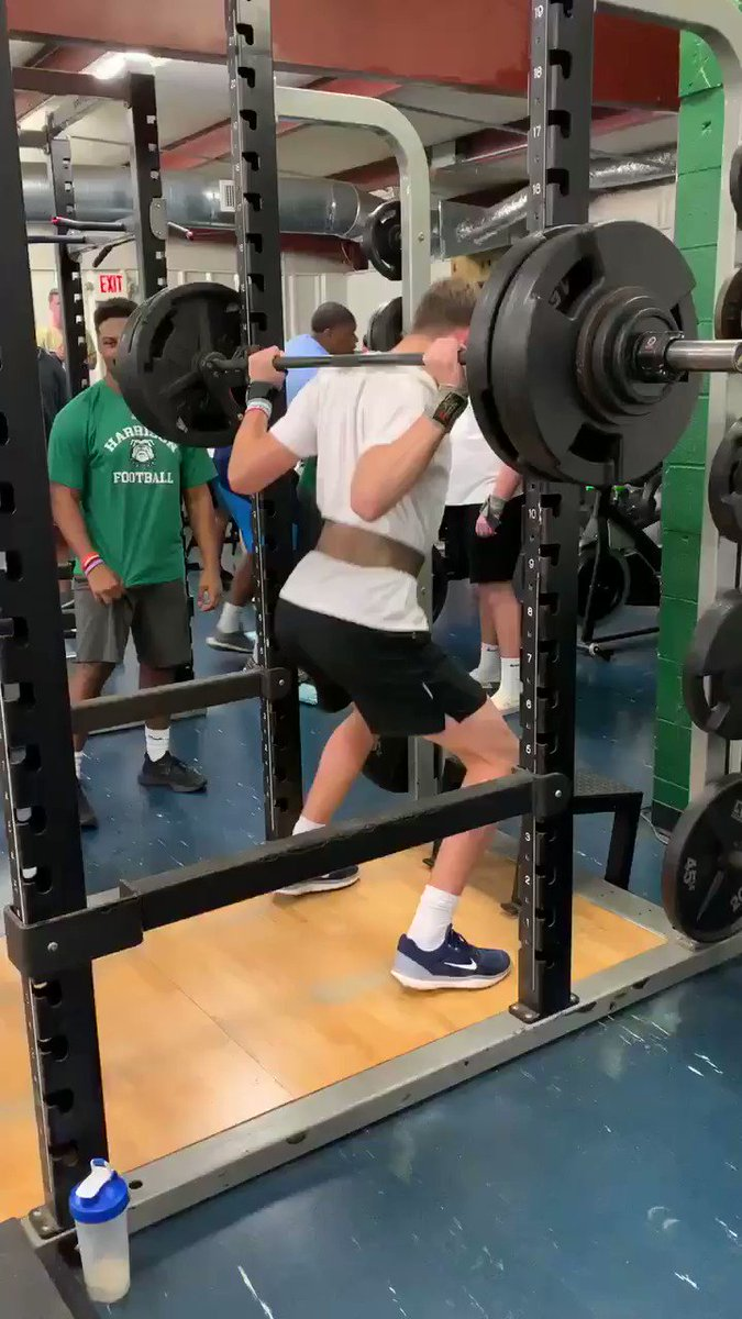 RT @hhshoyafootball: Welcome to the #SquatClub for #Hoyas c/o WR @daylnrice23 👍 #HoyaIron #RockSolid https://t.co/Taas0CBum0