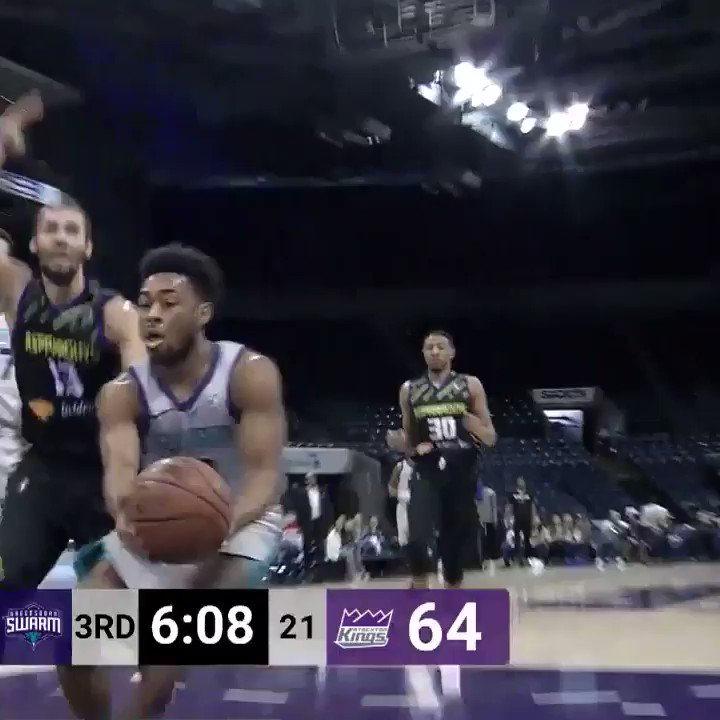 """ARE YOU KIDDING ME?? THE PLAY OF THE YEAR!""  Save on one end ➡️ over-the-head pass ➡️ alley-oop on the other end 😱  The announcer called this @GreensboroSwarm connection the #GLeagueTopPlay of the Year. Do you agree?"