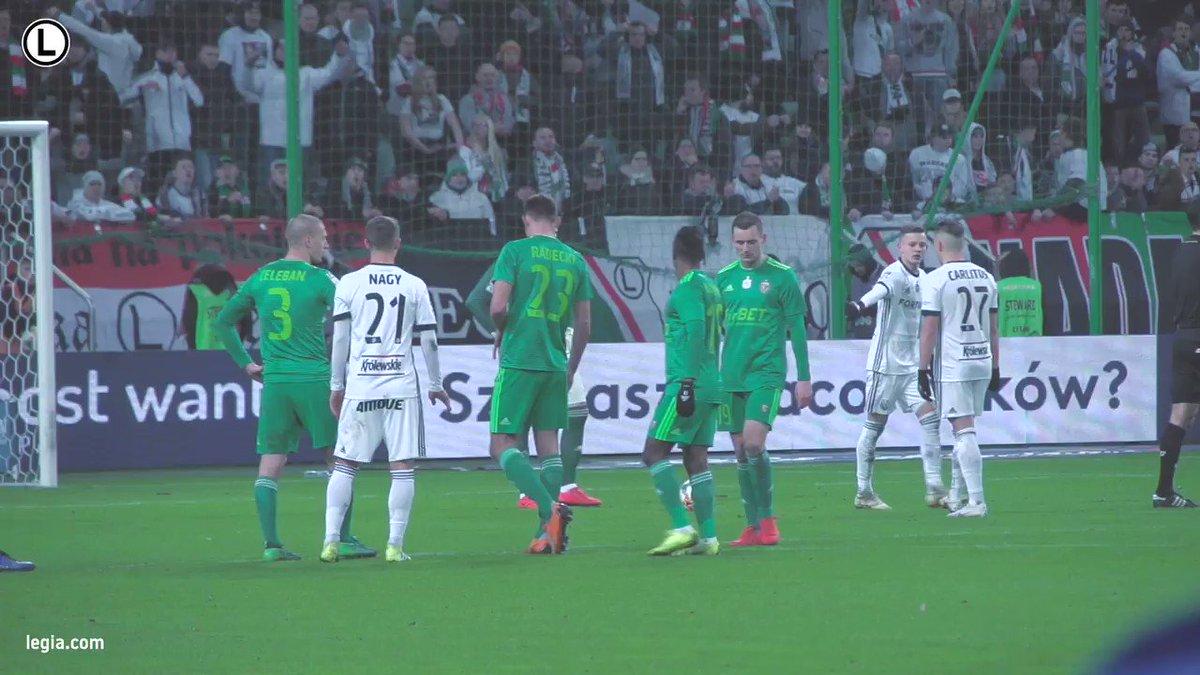 Takie obrazki chcemy oglądać! 🔥😎  Kulisy meczu ze Śląskiem Wrocław ➡ https://www.youtube.com/watch?v=G71yaPGF3oQ…