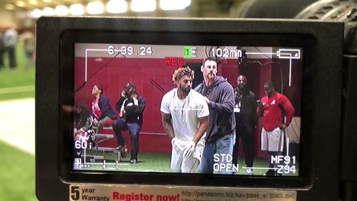 #Alabama TE Irv Smith (@swervinirvin_) warming up at Pro Day #RollTide