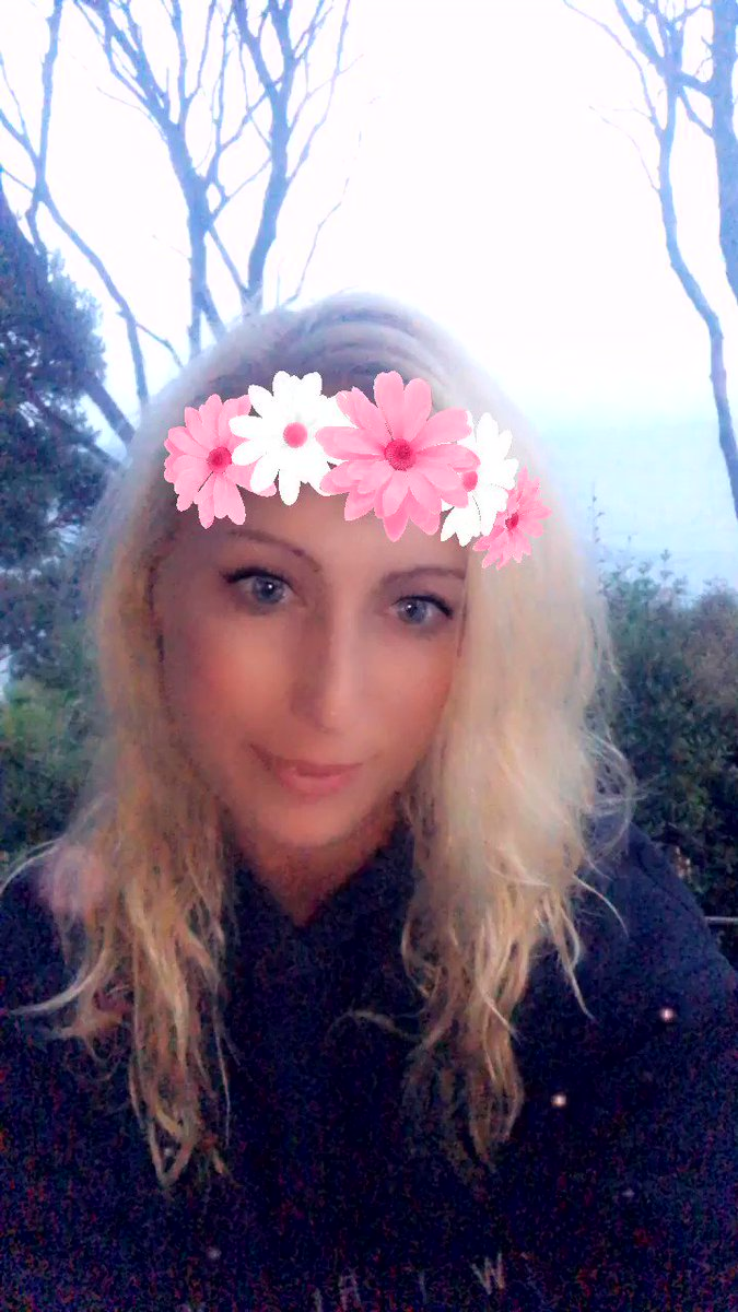 Good morning from #NewZealand 🌸Have a beautiful day friends! Love, Emme💖